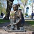 spb-skulptura-risuushhaya-devushka-04