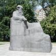 moskva-pamyatnik-tolstomu-02