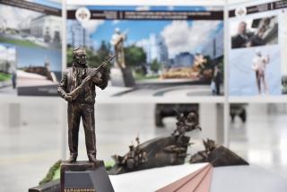 Проект памятника Михаилу Калашникову