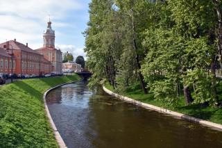 Набережная реки Монастырки