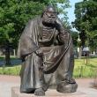 spb-skulptura-svyatoj-petr-02